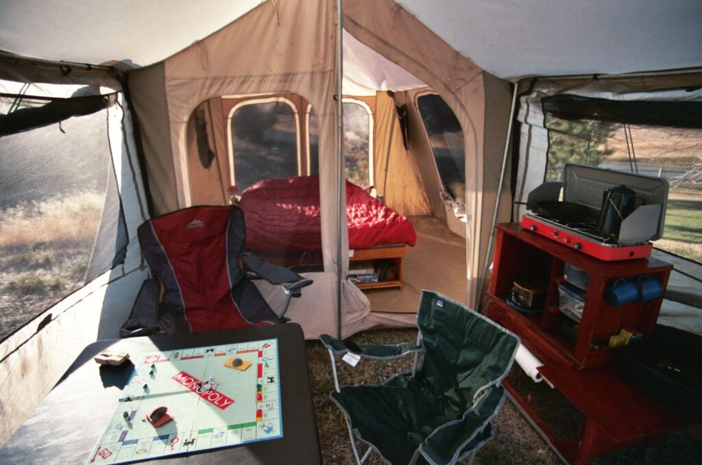How to Choose the Perfect 4 Person Family Tent